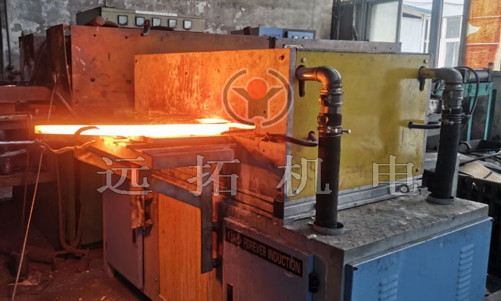 Heating furnace for hot rolled flat steel
